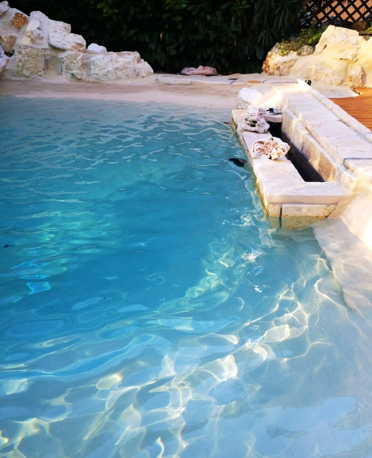 piscina con predisposizione per idromassaggio