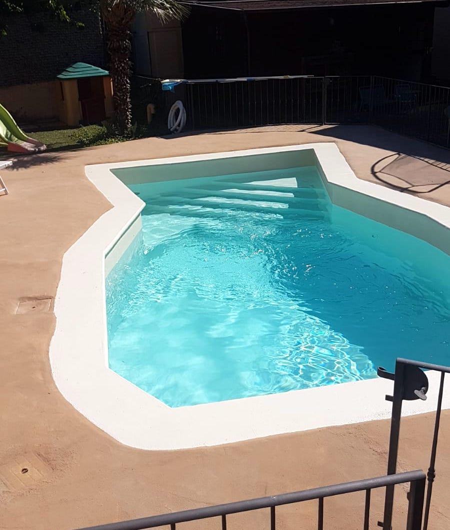 Ripristino di una vecchia piscina con resine A-B