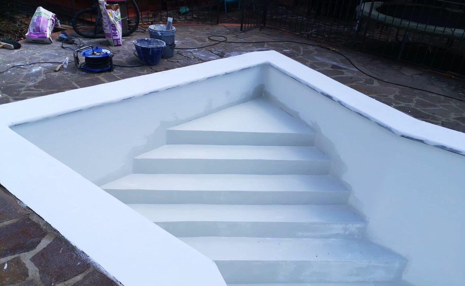 lavori di ripristino piscine con resine A-B
