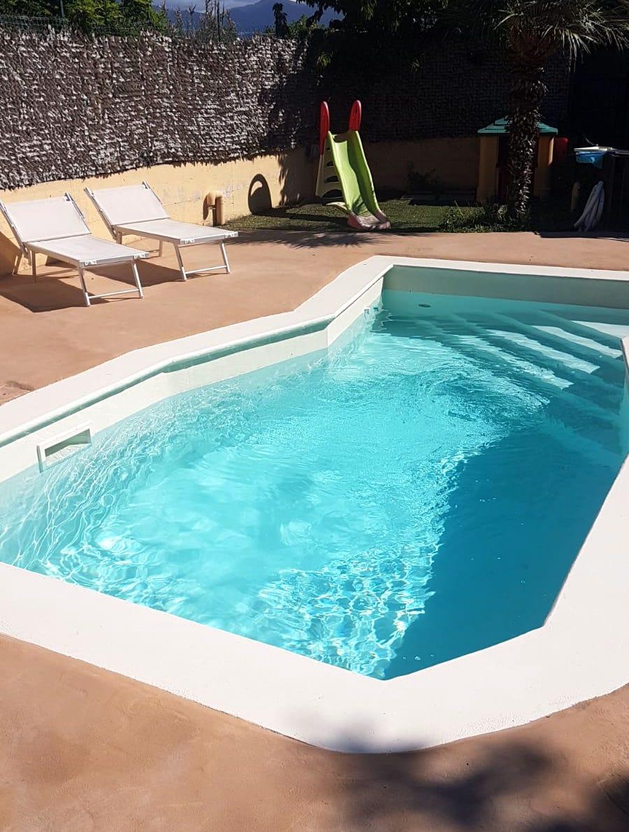Ripristino di una vecchia piscina con resina A-B