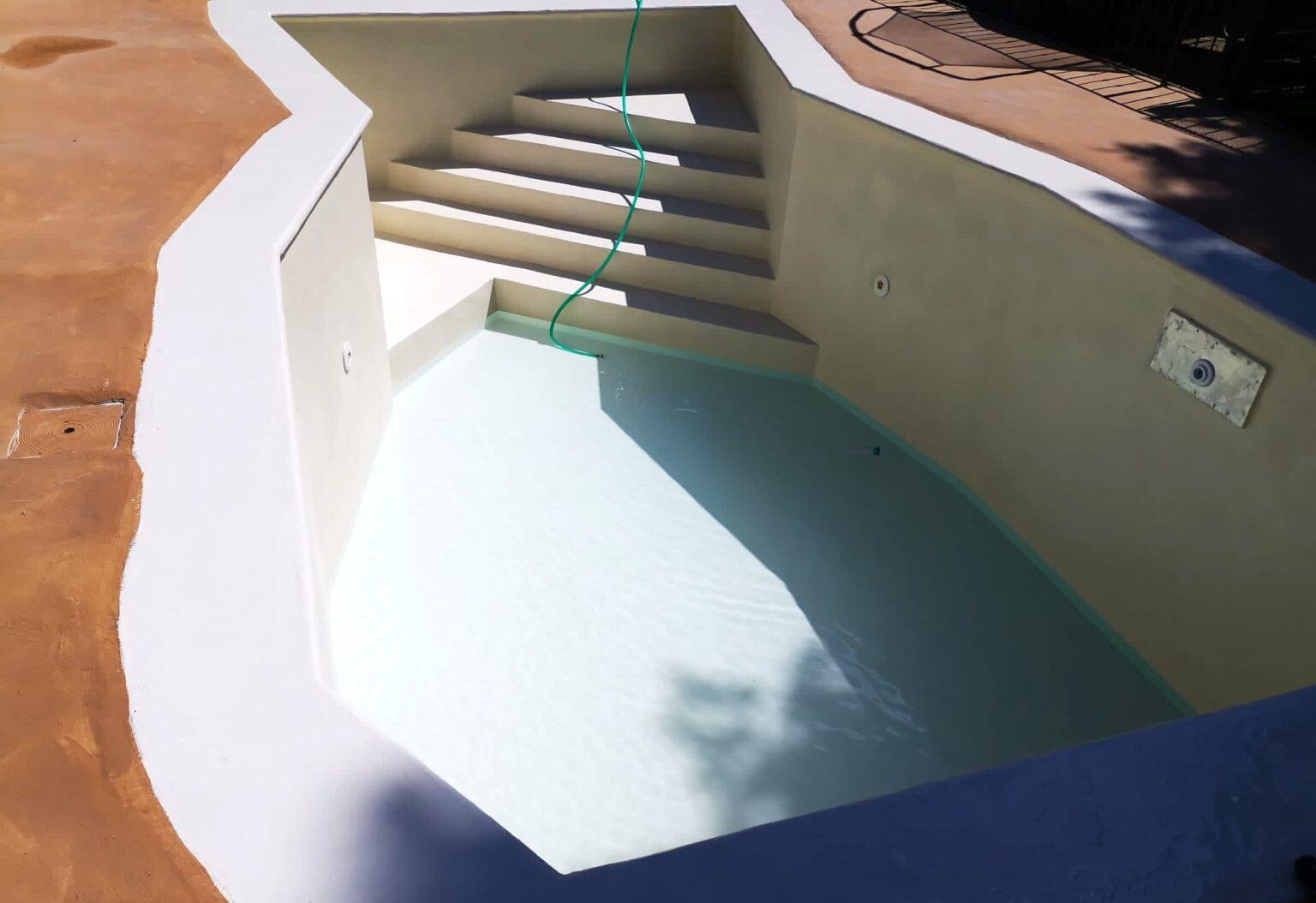 piscina ripristinata con resina A-B